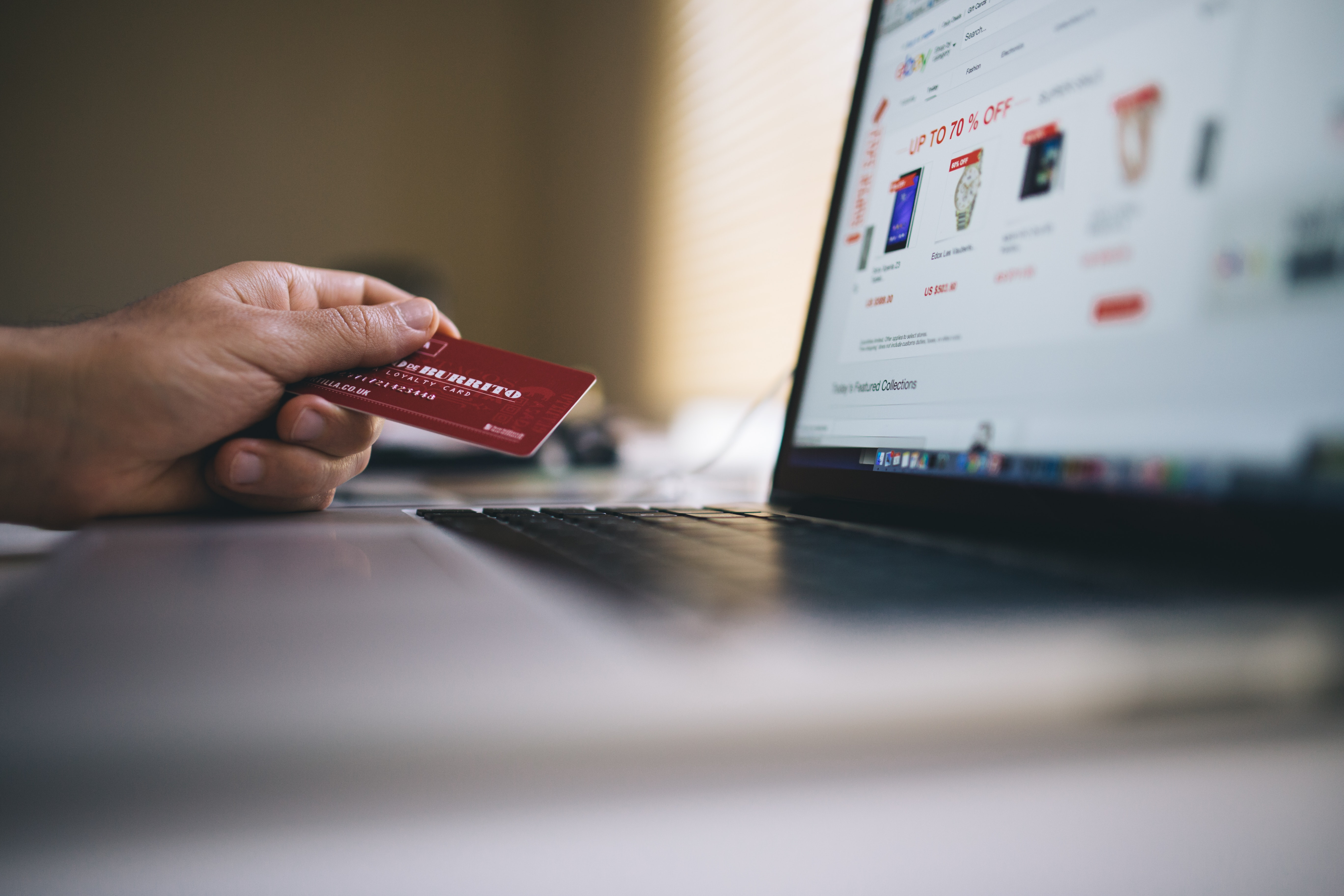 Tips for safe online shopping using credit card.