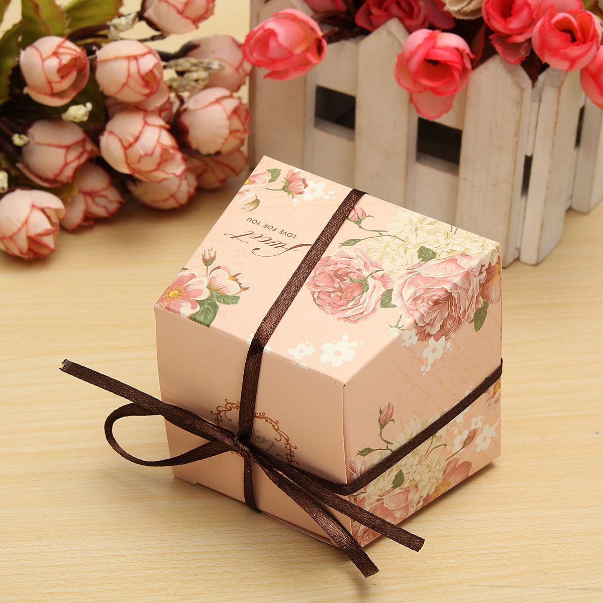 Advantages and Disadvantages of Cardboard Gift Boxes